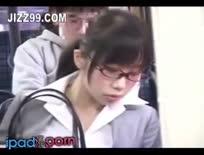 slut on a bus giving sneaky head